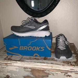 Brooks Ghost 11 Running Shoe 9.5